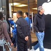 Jobs turns up at Apple Store iPad launch - photo 2