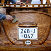 This VW Beetle is made from hand-carved oak and it's one of a kind - photo 3