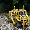 Lego Technic 8275 Motorized Bulldozer review - photo 2