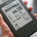 Amazon shifts 8 million Kindles in 2010