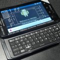 Motorola Droid 4 emerges, looks a bit QWERTY