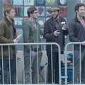Samsung mocks queuing iPhone 4S fanboys (video)