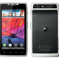 Clove's Motorola RAZR pre-order is all white