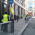 No iPad mini queue in London, you can walk in and buy one