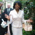 Oprah Winfrey tweets love for Microsoft Surface... from an iPad