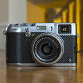 Fujifilm X100S: Macro mode soft, avoid wide apertures