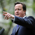 David Cameron uses Twitter to criticise Facebook over beheading videos