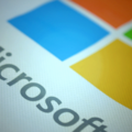 Microsoft to launch Gear Fit-like wristband for all platforms instead of watch later this year