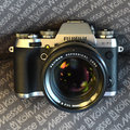 Fujifilm X-T1 Graphite Silver Edition: Matte finish somehow looks flat and plasticky (hands-on)