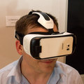Samsung made a new Gear VR to work with its Galaxy S6 and S6 edge (hands-on)