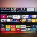 TV Philips PUS8601 4K com revisão Ambilight de 4 lados: Colora-nos impressionados