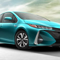 Newly unveiled Toyota Prius Plug-in uses its solar roof to get hefty 202mpg