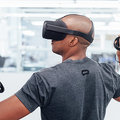 Oculus shows off new Santa Cruz standalone headset and controllers