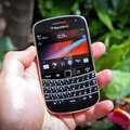First Look: BlackBerry Bold 9900 review