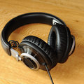 Philips Fidelio L1 headphones