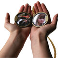 Kodak embrace the past with digital photo locket concept