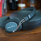 Bowers & Wilkins P3 headphones pictures and hands-on - photo 1