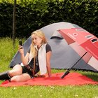 Vodafone Booster Brolly charges your phone, improves signal and keeps you dry - photo 1