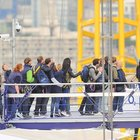 Extreme queuing: iPhone 5 available from... the top of The O2 - photo 1
