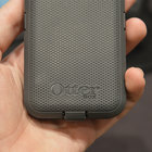Otterbox Defender iPhone charger case pictures and hands-on - photo 8