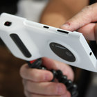 Nokia Lumia 1020 accessories: hands-on with charging shell, grip and mount - photo 1