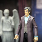 Doctor Who: Twelfth Doctor (Peter Capaldi) action figure pictures and hands-on - photo 6