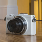 Olympus Stylus XZ-2 (white) review - photo 2