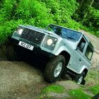 Land Rover Defender gets to get makeover for 2007 - photo 2