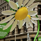 Solar powered flowers offer workers Wi-Fi and power - photo 2
