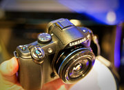 Samsung NX10 hands-on - photo 2