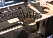 """Minority Report"" glove becomes reality - photo 2"