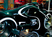 Tron Legacy bike snapped - photo 4