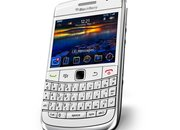BlackBerry Bold 9700 goes white - photo 2