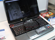 MSI GT660 laptop comes with passive 3D glasses - photo 2