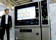 Japanese taste the future with hi-tech vending machines  - photo 3