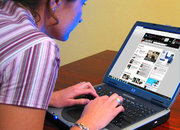 Brits spend quarter of waking time on Internet - photo 1
