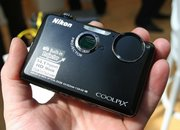 Nikon Coolpix S1100pj beams down - photo 3