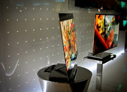 LG 31-inch OLED is both big and thin   - photo 5