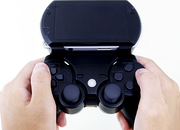 Gametech Bear accessory Dualshocks your PSP Go - photo 1