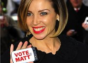 X-Factor's Dannii Minogue campaigns for Matt Cardle with BlackBerry Bold - photo 1