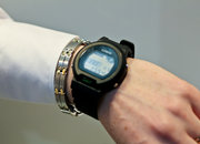 Casio Bluetooth watch lets you check your emails on your wrist - photo 2
