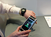Casio Bluetooth watch lets you check your emails on your wrist - photo 3