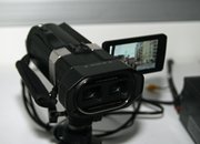 JVC GS-TD1 3D camcorder eyes-on   - photo 3