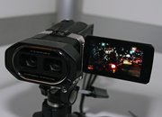 JVC GS-TD1 3D camcorder eyes-on   - photo 4