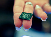 SanDIsk's 64GB drive that's the size of your fingertip - photo 2