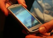 Sony Ericsson Xperia Pro hands-on - photo 2