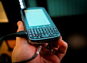 Motorola Pro hands-on   - photo 3