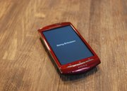 Red Sony Ericsson Xperia Neo hands-on - photo 2