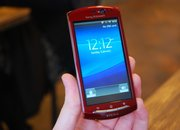Red Sony Ericsson Xperia Neo hands-on - photo 5