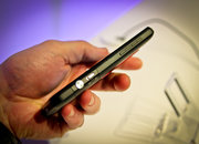 HTC EVO 3D hands-on - photo 3